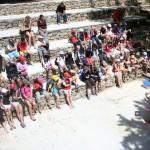 les élèves de la classe de mer dans l'amphithéatre